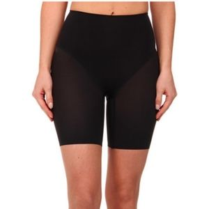 Wacoal Smooth Complexion Mid-Thigh Shaping Shorts